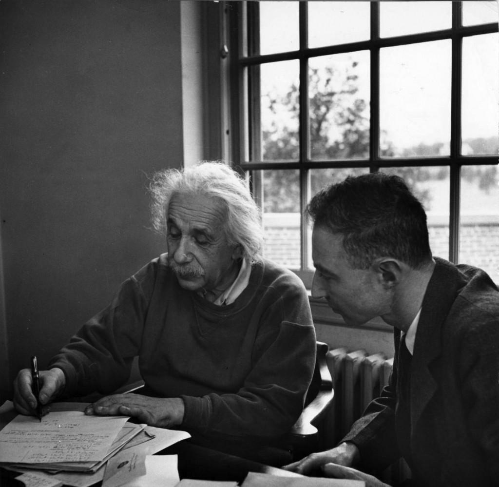 Albert+Einstein++Oppenheimer
